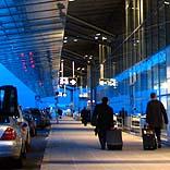Flughafenhalle - © nikinix / Pixelio.de