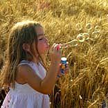 Kind in den Schulferien - © momosu / Photocase.de