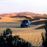 Auto in der Wüste - © Christine Koch / pixelio.de