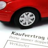 Kaufvertrag fürs Auto - © Claudia Hautumm / pixelio.de