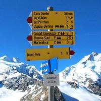 Wegweiser in den Schweizer Hochalpen - © Joujou / pixelio.de