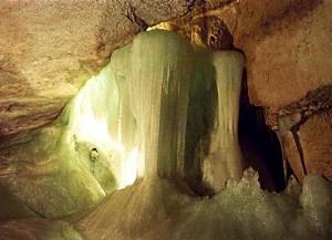Impression aus der Rieseneishöhle - © Adolf Riess / pixelio.de