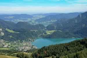 Blick vom Zwölferhorn auf St. Gilgen - © Bernd Deschauer / pixelio.de